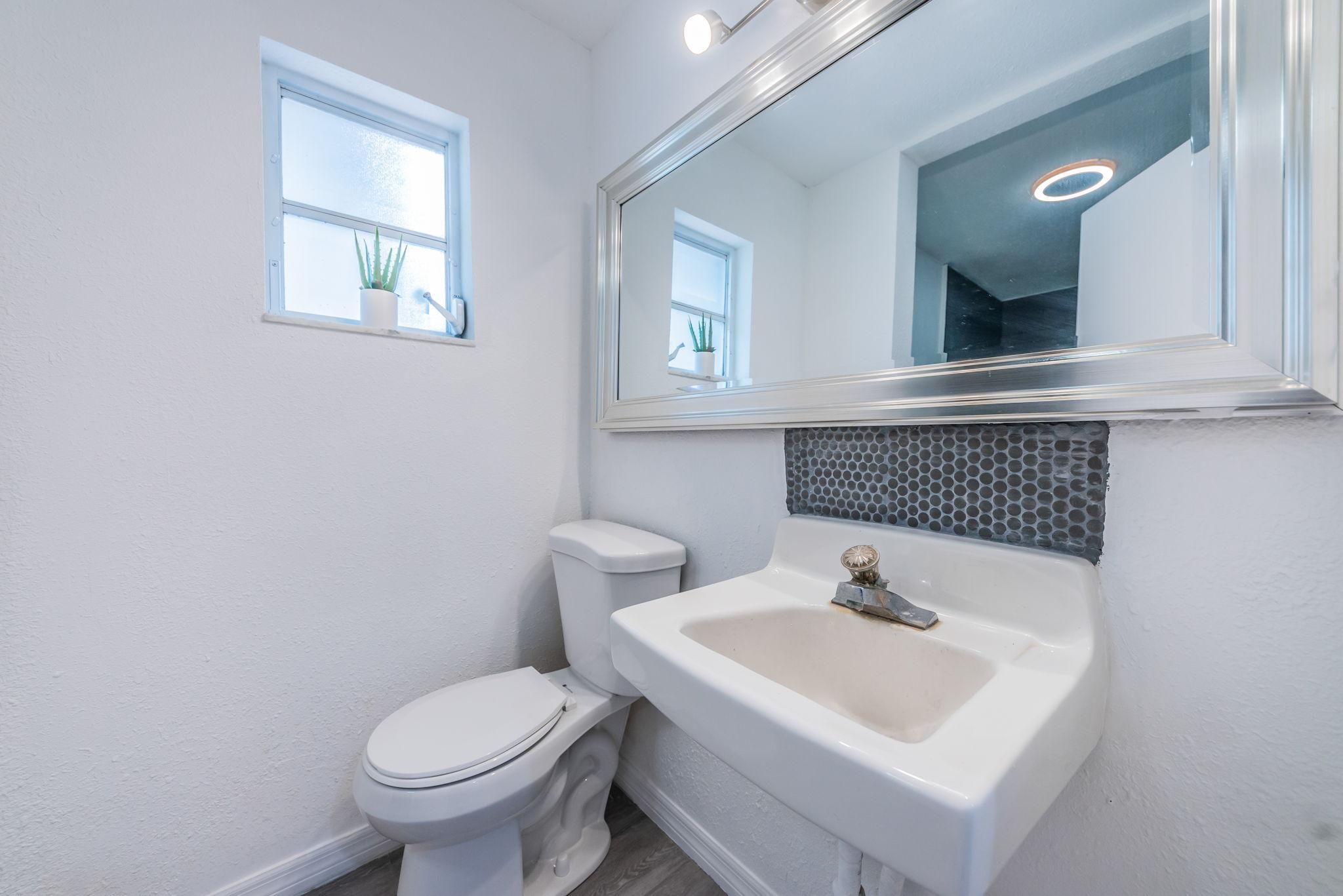 Bathroom 2a-6