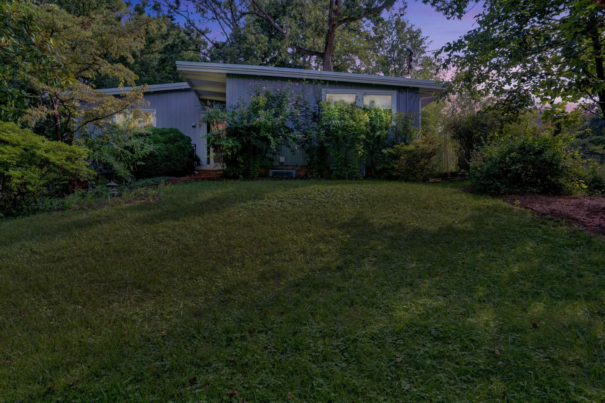 901 S Randolph St, Arlington, VA 22204, USA Photo 2