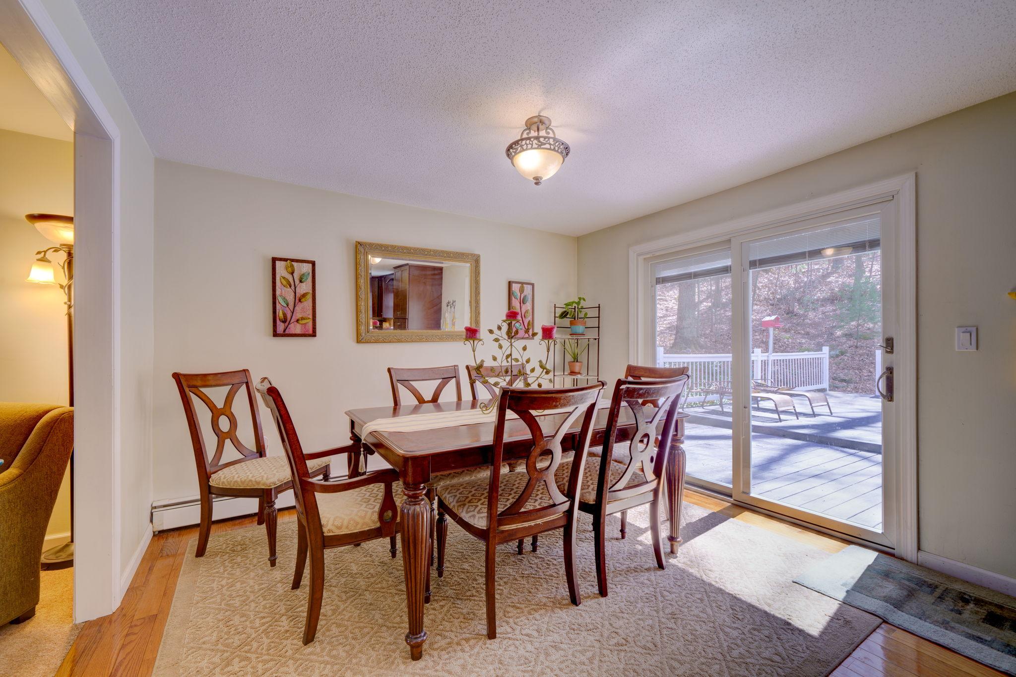 Dining Room (1st Floor)