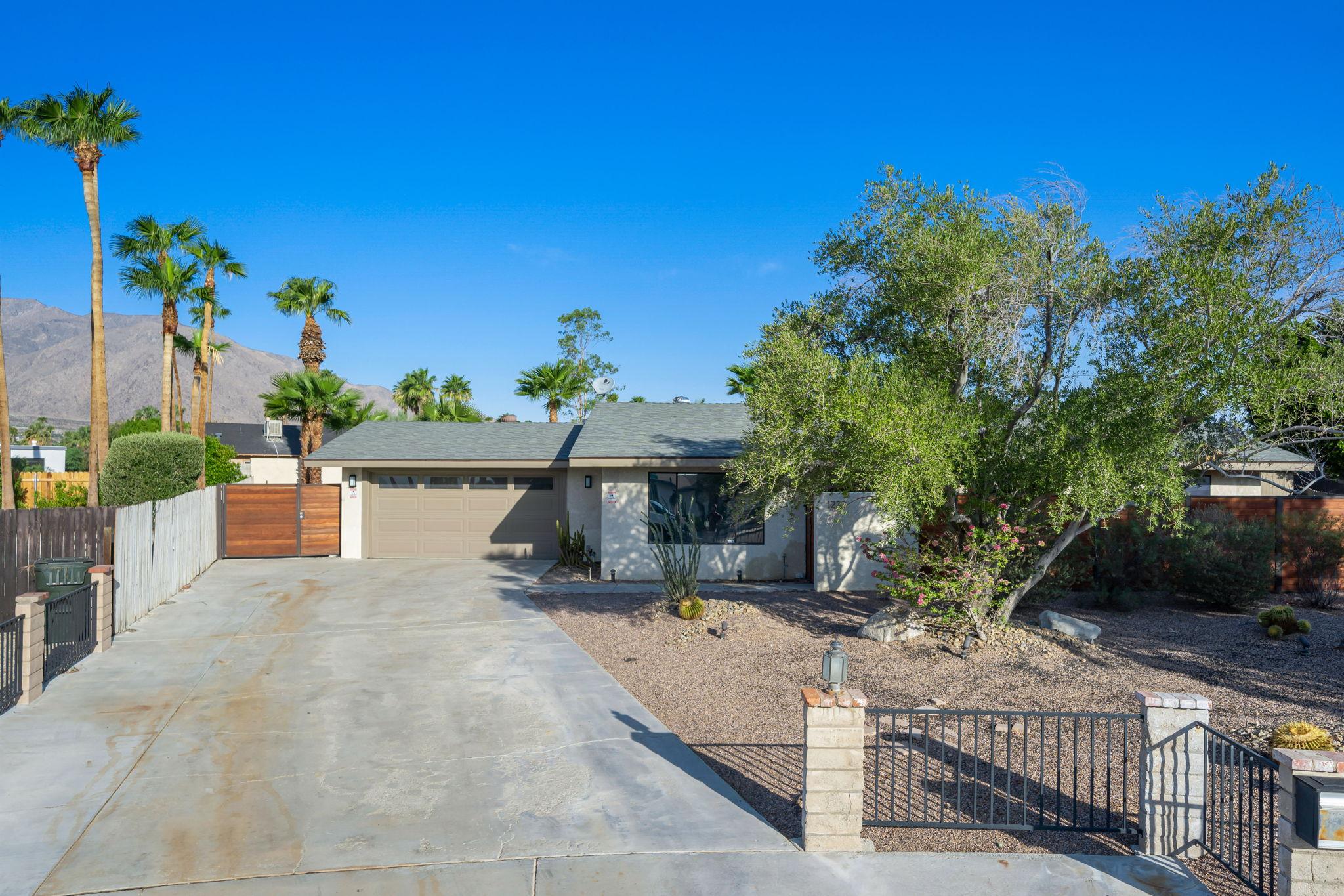 1232 E Delgado Rd, Palm Springs, CA 92262, USA Photo 7