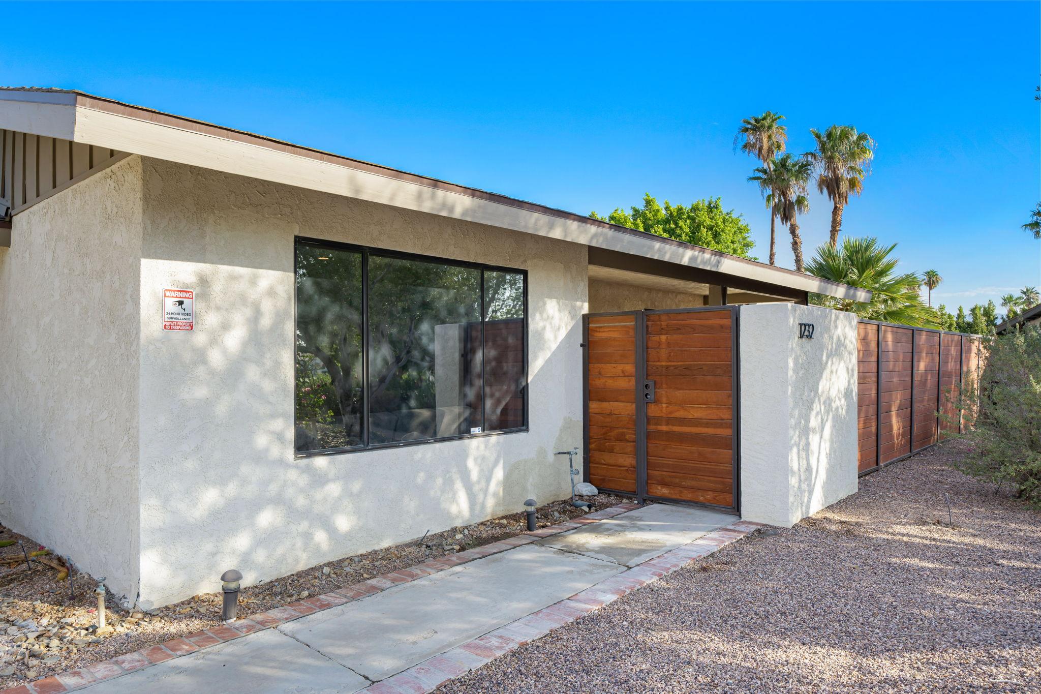 1232 E Delgado Rd, Palm Springs, CA 92262, USA Photo 9