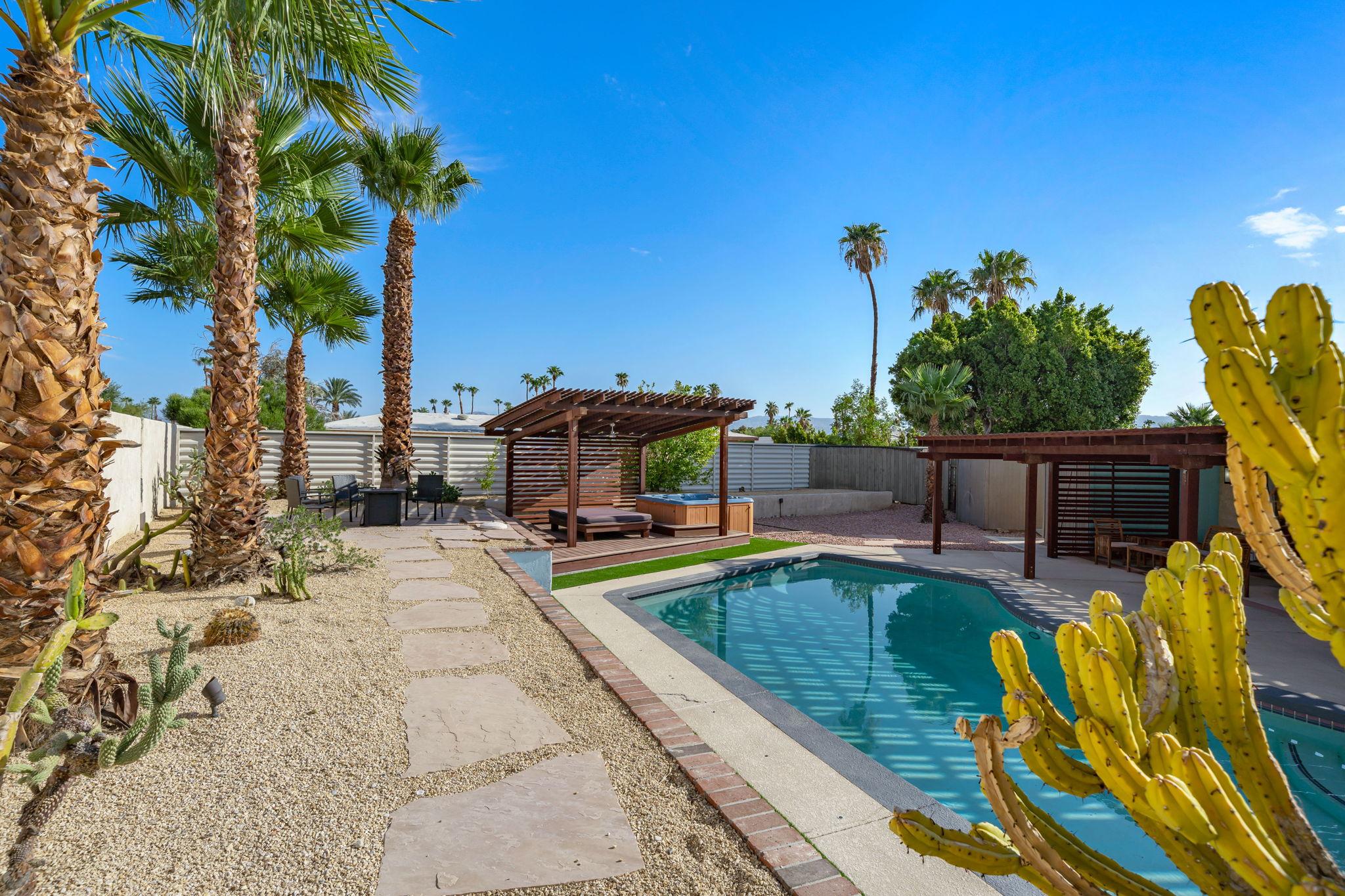 1232 E Delgado Rd, Palm Springs, CA 92262, USA Photo 32