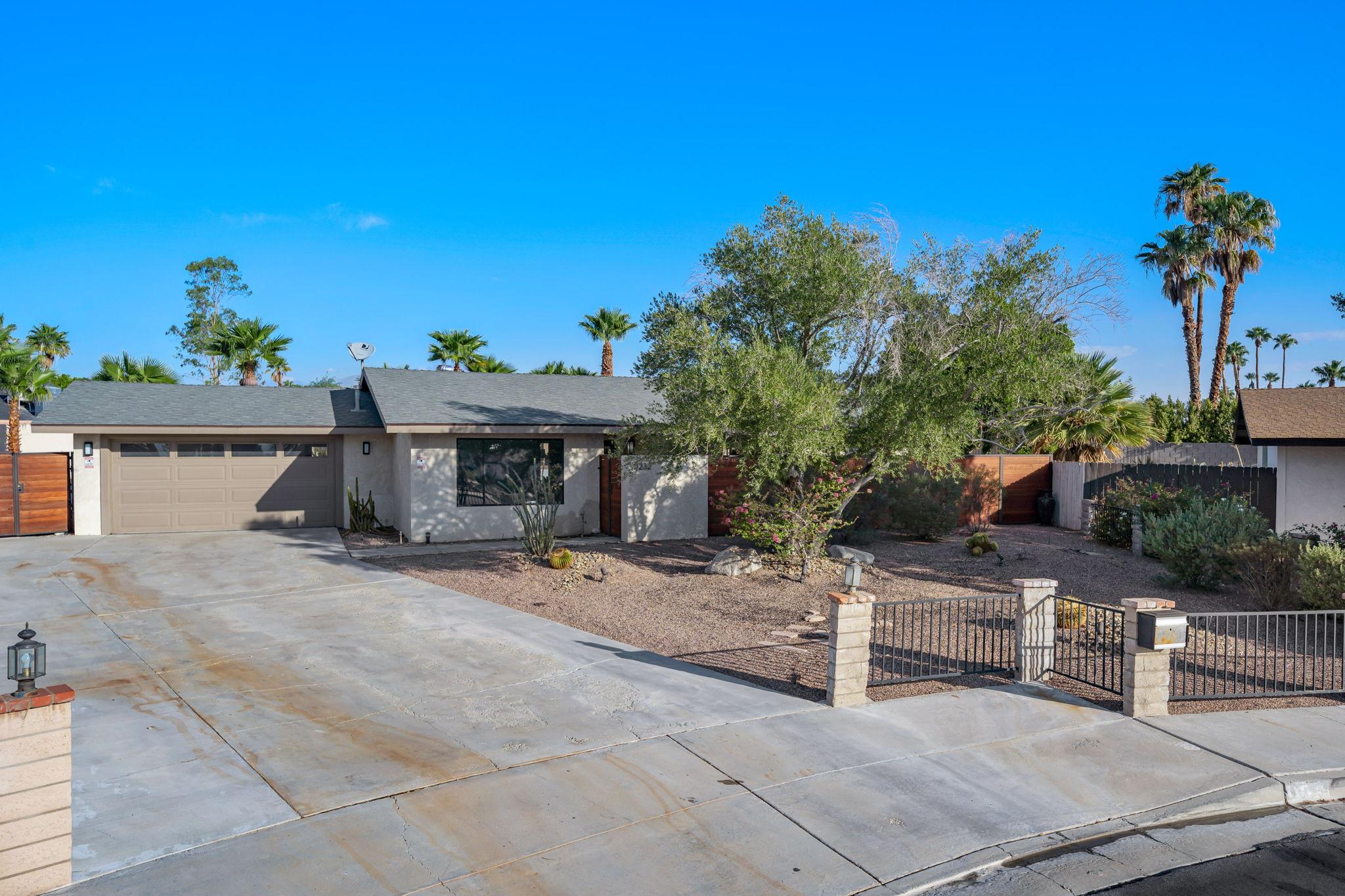 1232 E Delgado Rd, Palm Springs, CA 92262, USA Photo 6