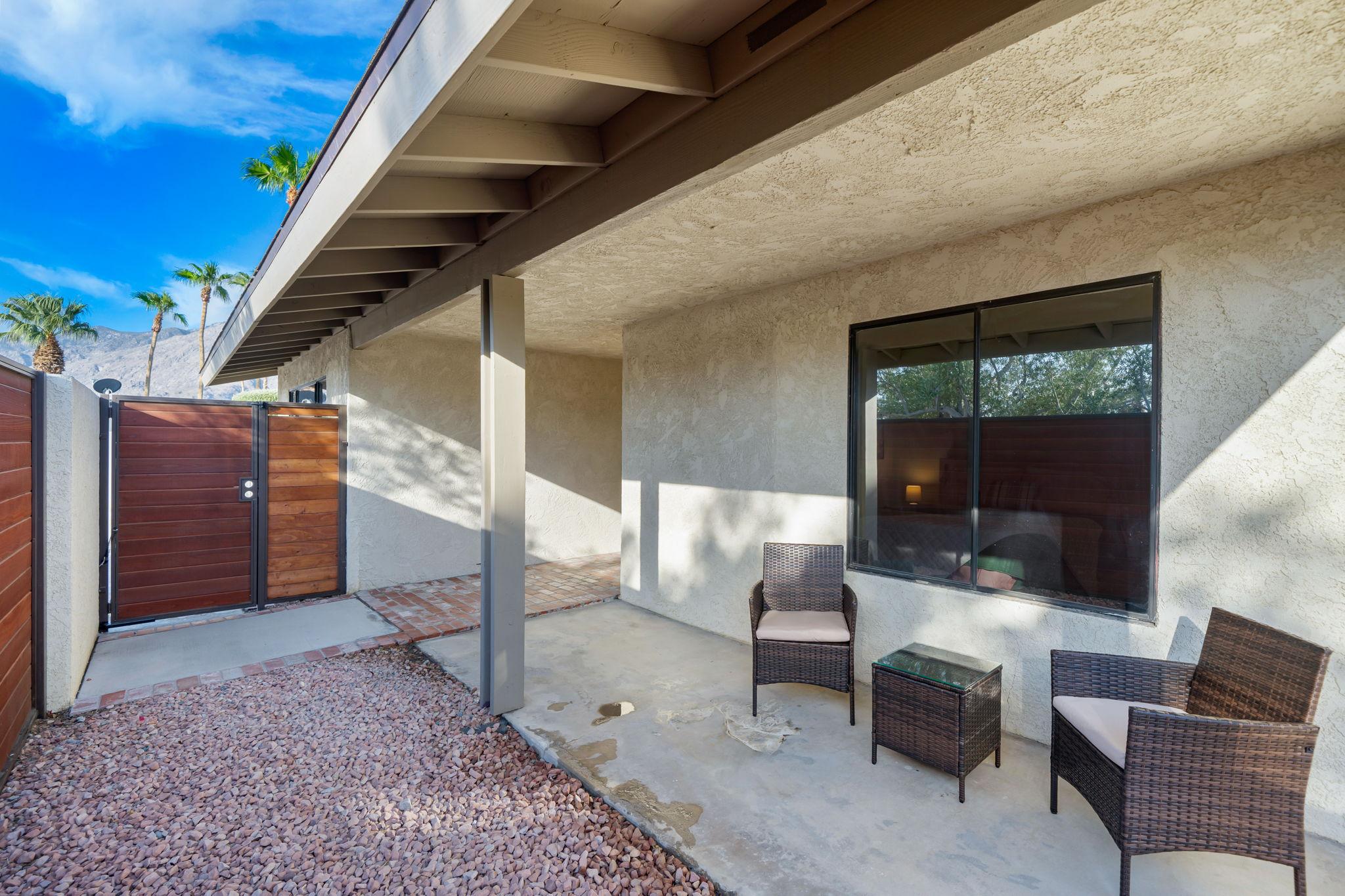 1232 E Delgado Rd, Palm Springs, CA 92262, USA Photo 11