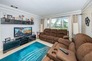 Living Room2-4