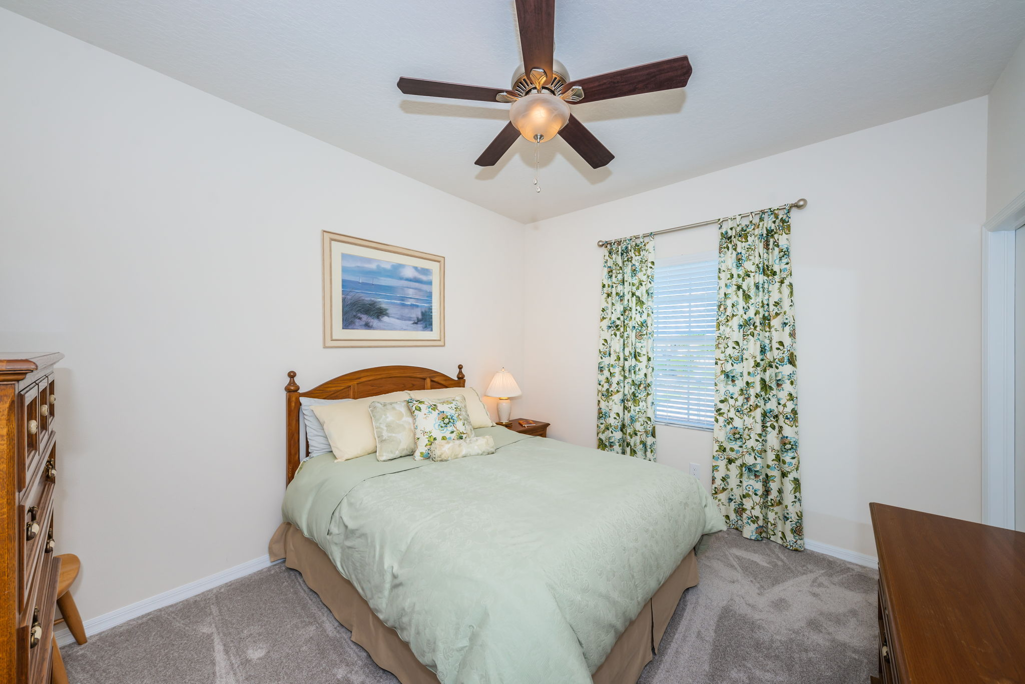 Upper Level Bedroom12