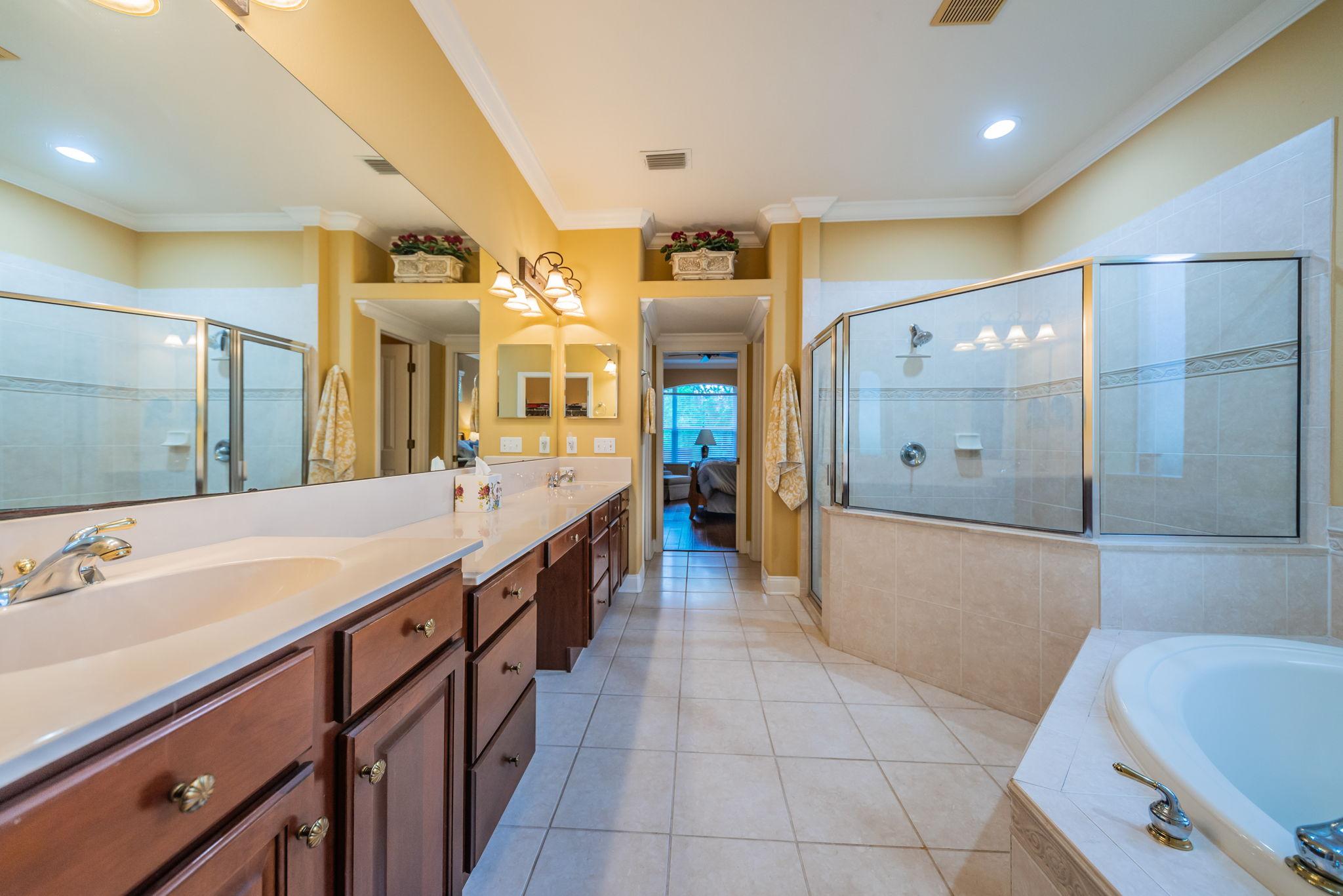 Master Bathroom1c