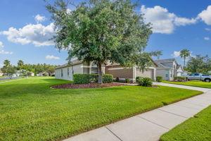 1417 Appleton Pl, Zephyrhills, FL 33543, USA Photo 1