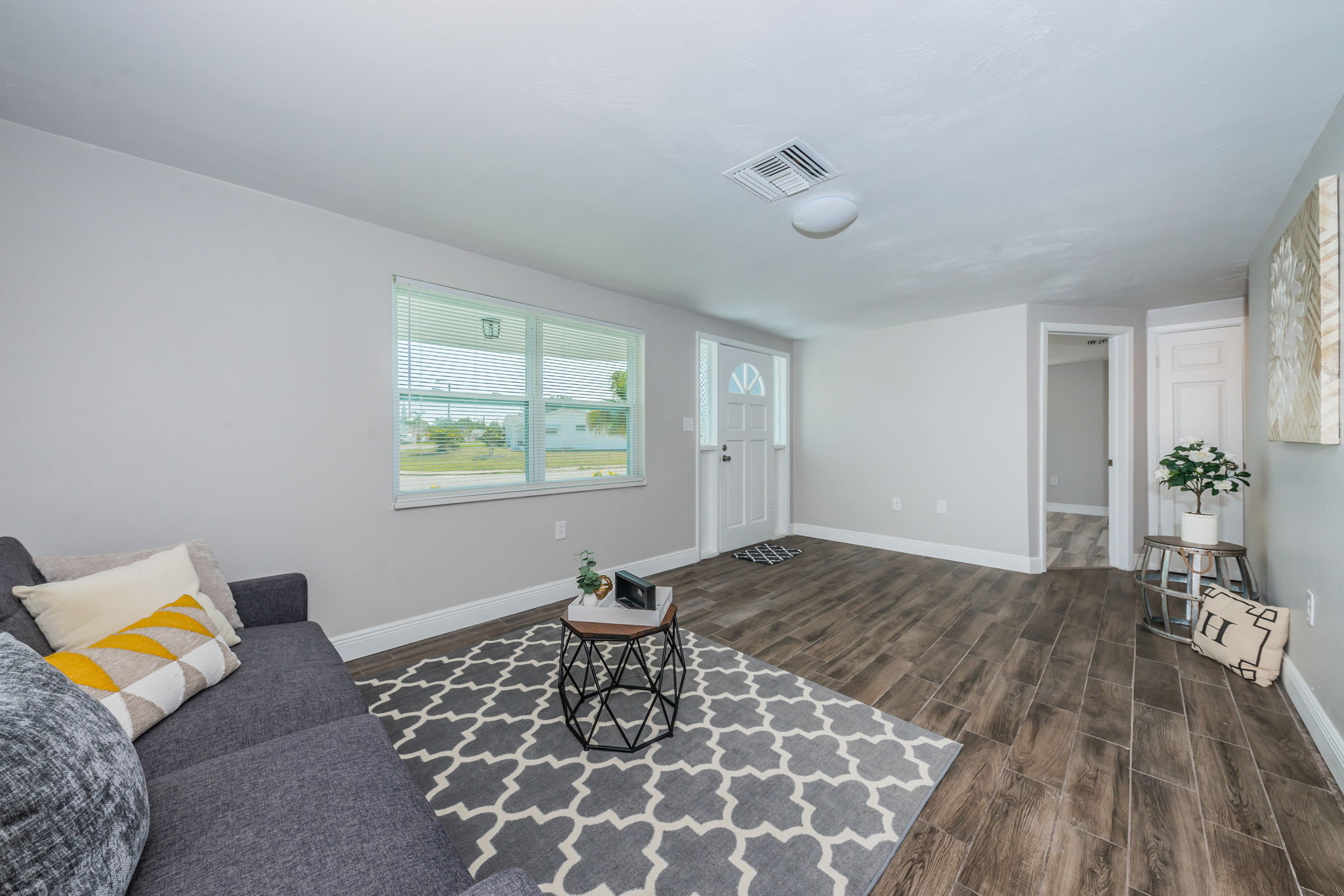 Living Room1-5