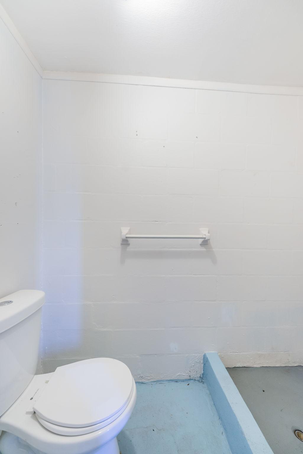 Bathroom2-4