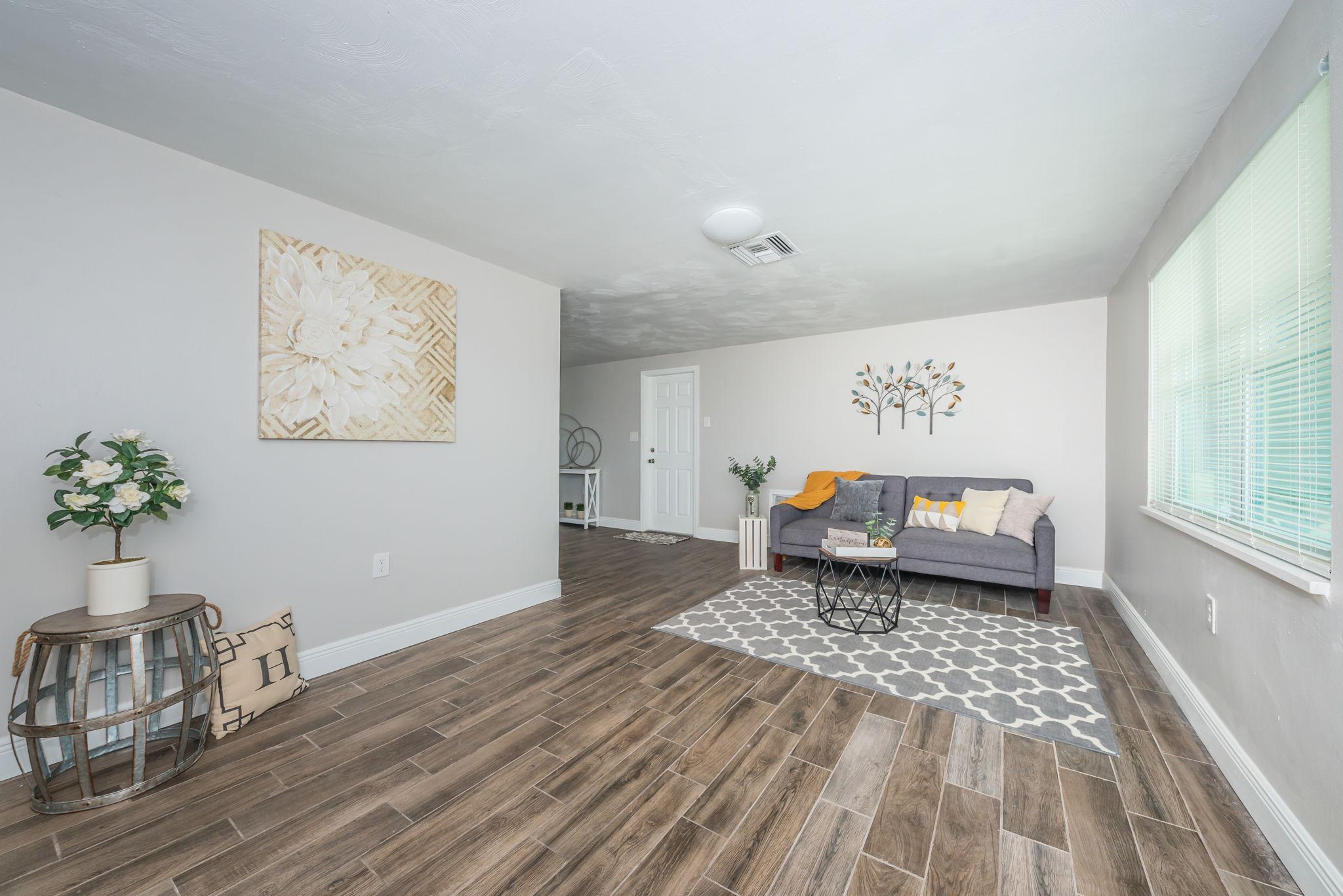 Living Room3-5