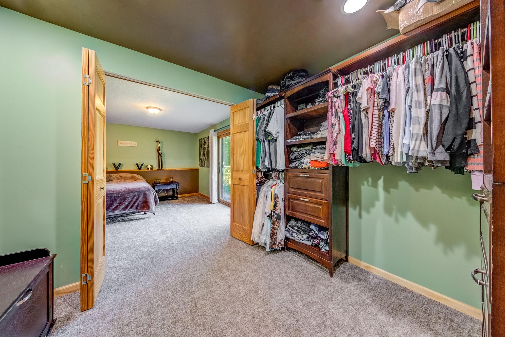 Bedroom A Closet