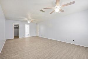2630 Kingswell Ave, San Antonio, TX 78251, USA Photo 22