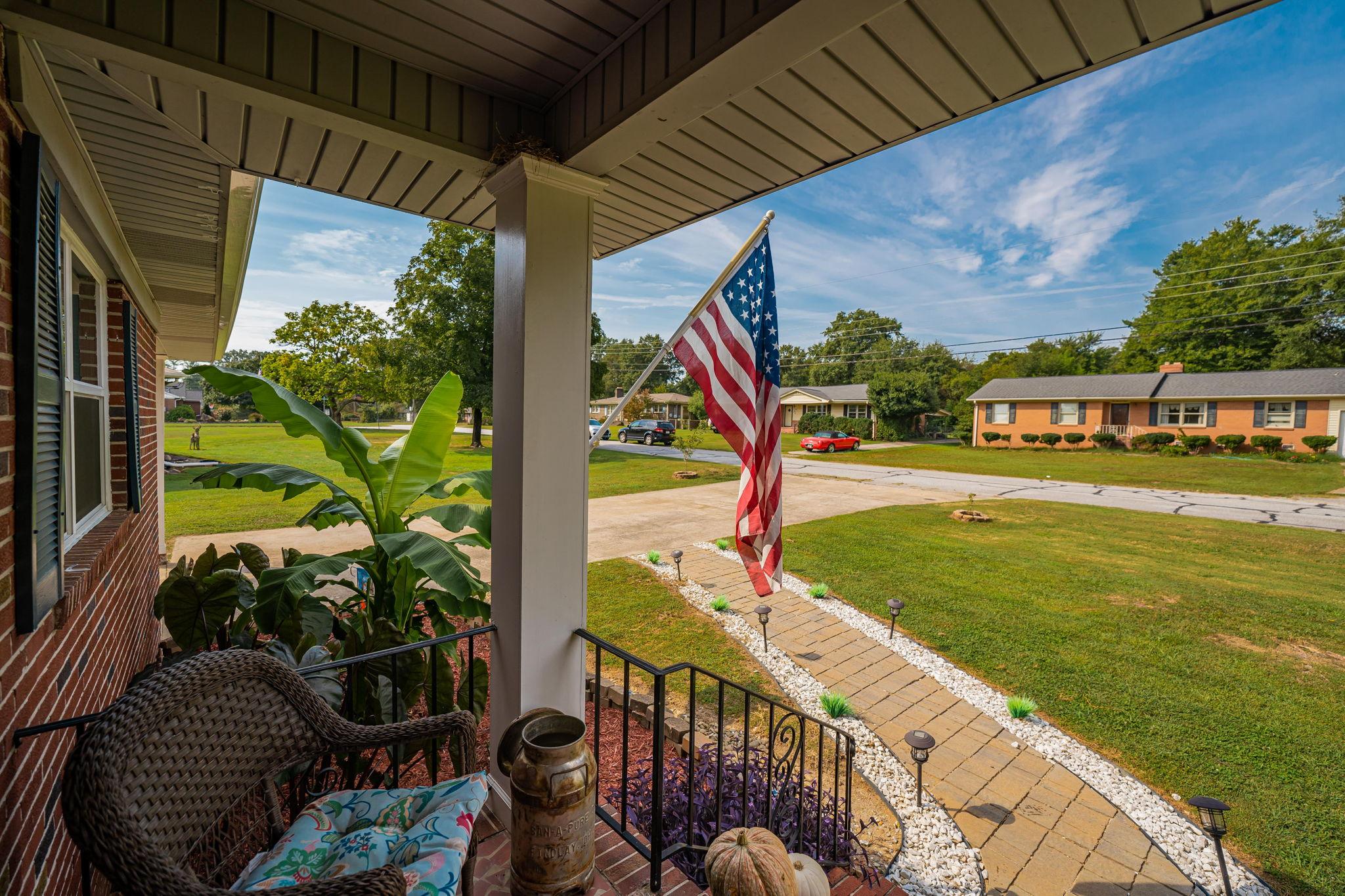 102 Fairhaven Dr, Taylors, SC 29687, USA Photo 12