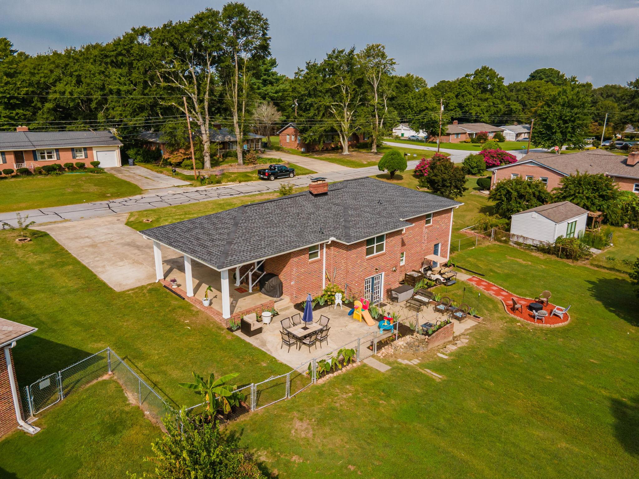 102 Fairhaven Dr, Taylors, SC 29687, USA Photo 1