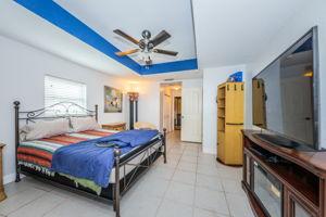 Master Bedroom1b-3