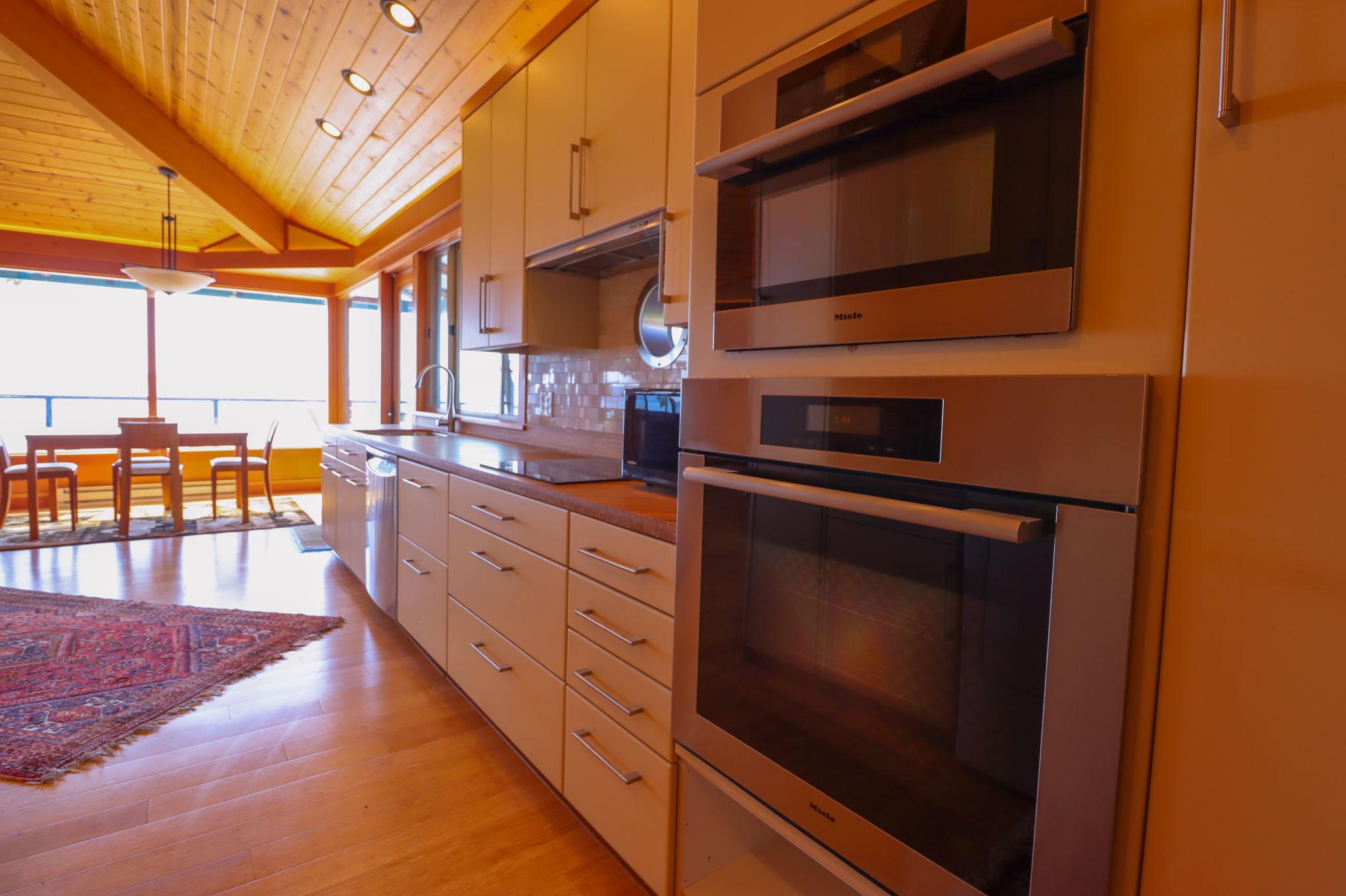 Range with Kitchen