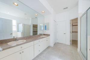Master Bathroom 1a-2