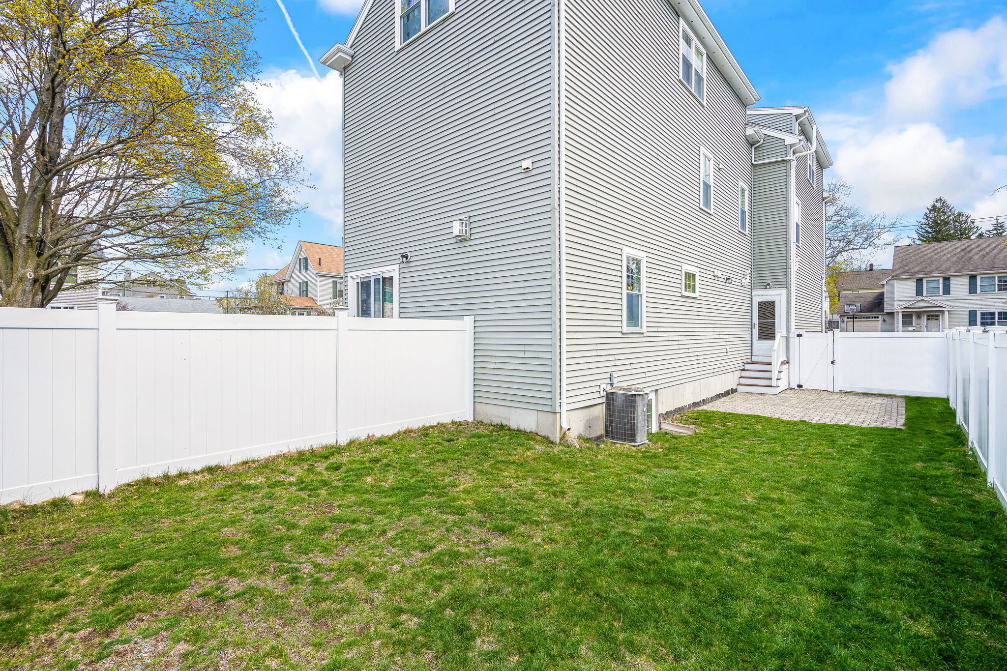 41 Holland St, Winchester, MA 01890, US Photo 3