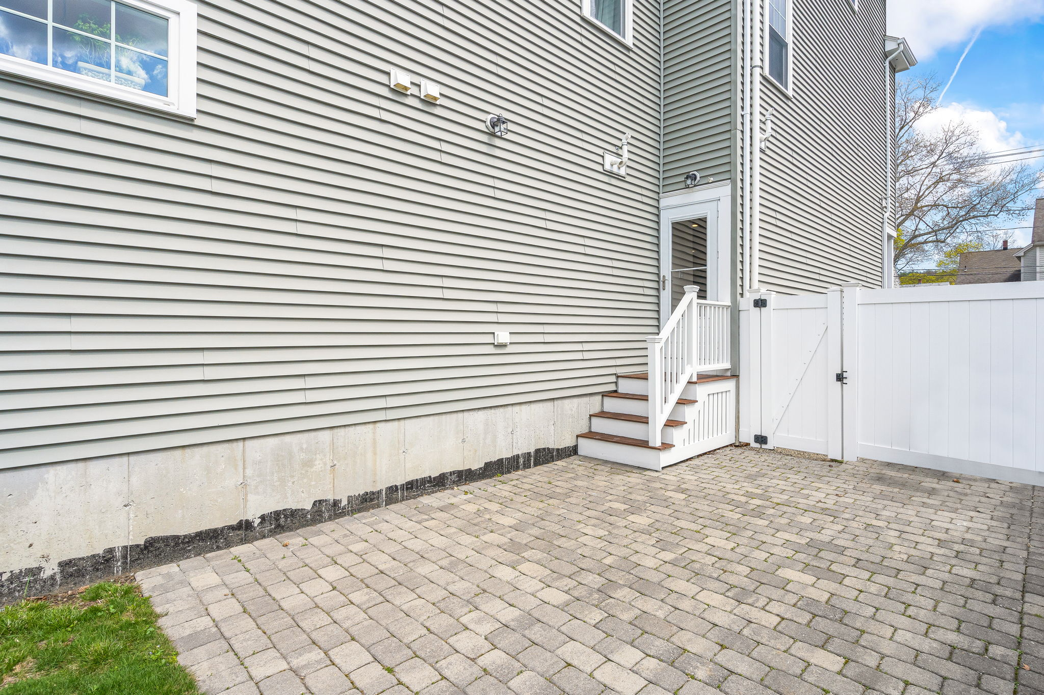 41 Holland St, Winchester, MA 01890, US Photo 7