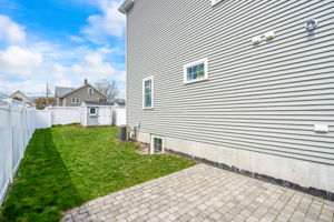 41 Holland St, Winchester, MA 01890, US Photo 5