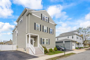 41 Holland St, Winchester, MA 01890, US Photo 1