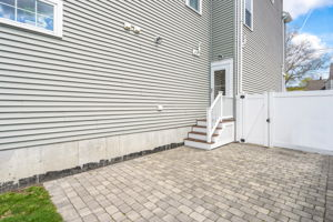 41 Holland St, Winchester, MA 01890, US Photo 6