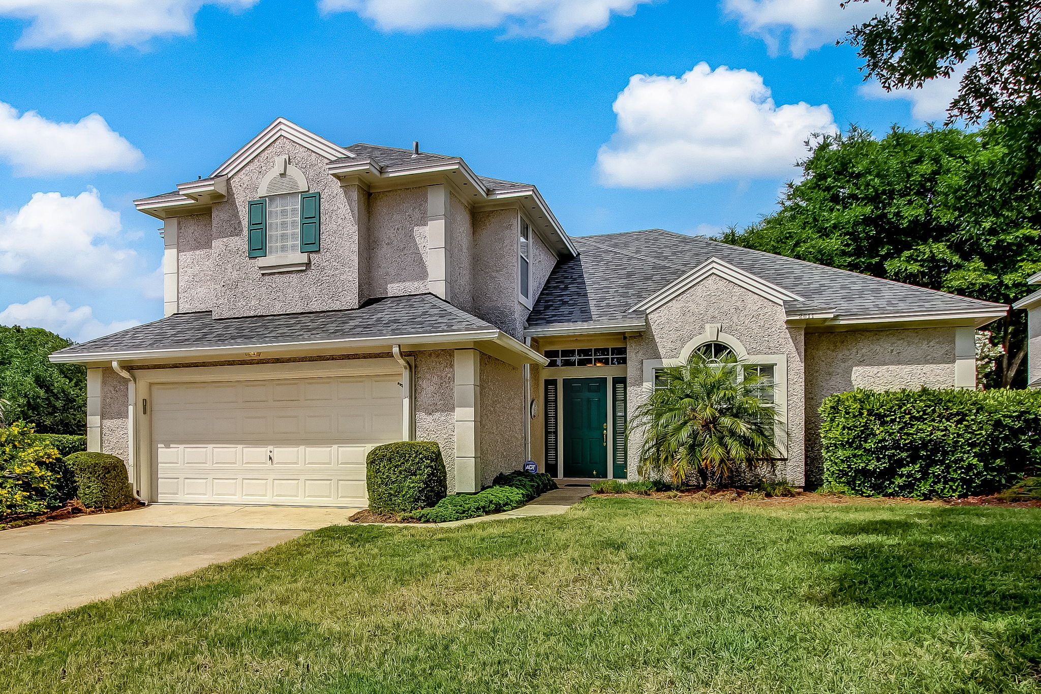 Welcome to2611 Robert Oliver Ct