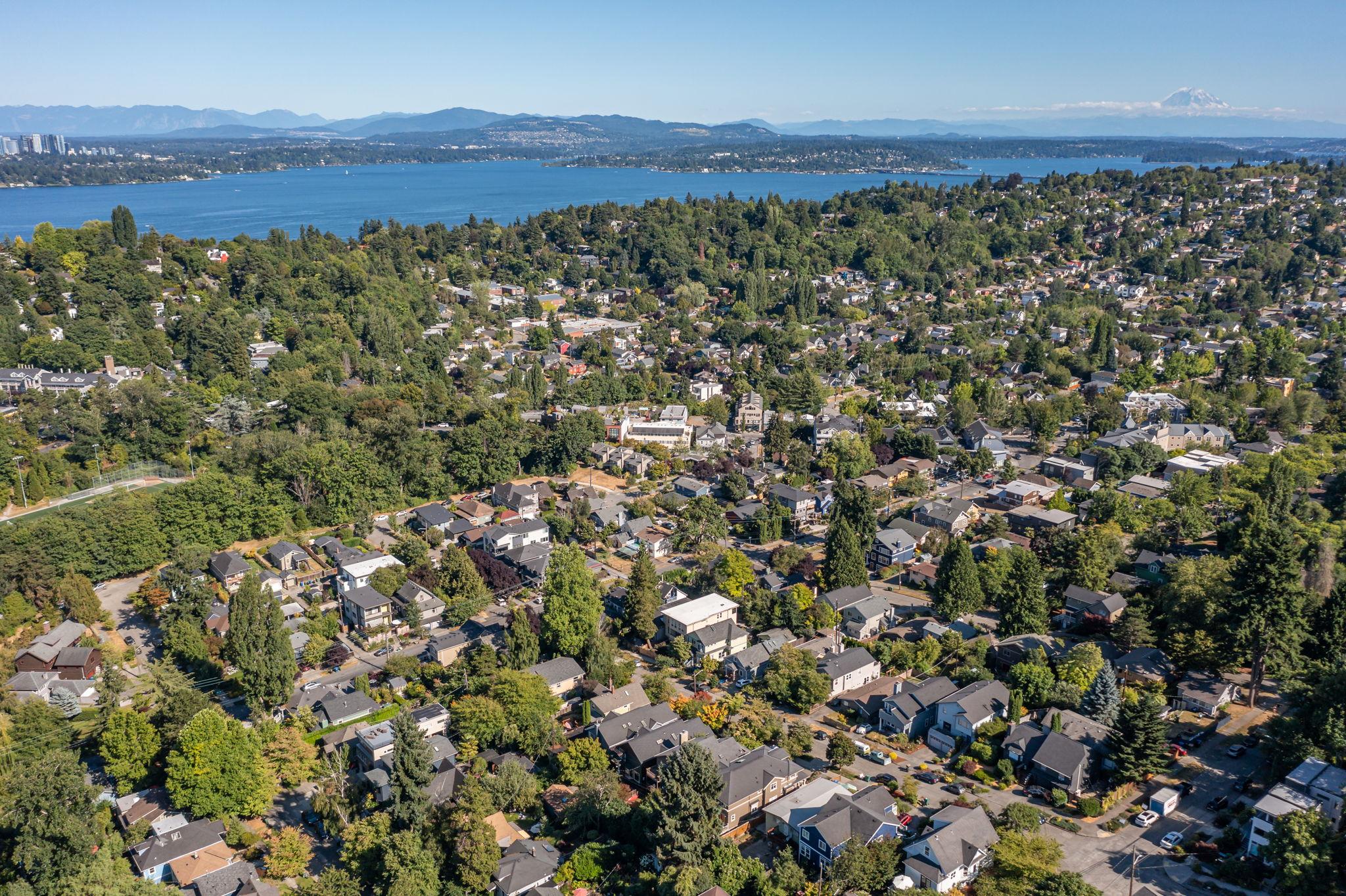 2612 E Valley St, Seattle, WA 98112, USA Photo 157