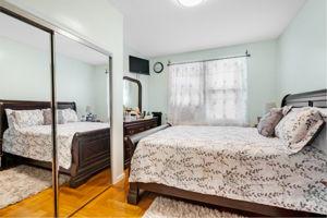 1308 Thieriot Ave, Bronx, NY 10472, USA Photo 53