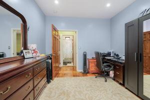 1308 Thieriot Ave, Bronx, NY 10472, USA Photo 33
