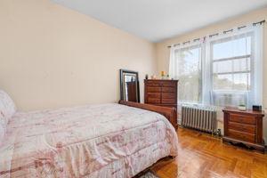 1308 Thieriot Ave, Bronx, NY 10472, USA Photo 41
