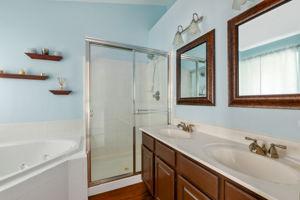 9402 Wilcoxen Dr, Manassas Park, VA 20111, USA Photo 17