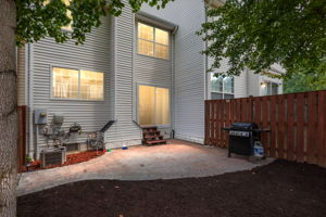 9402 Wilcoxen Dr, Manassas Park, VA 20111, USA Photo 24