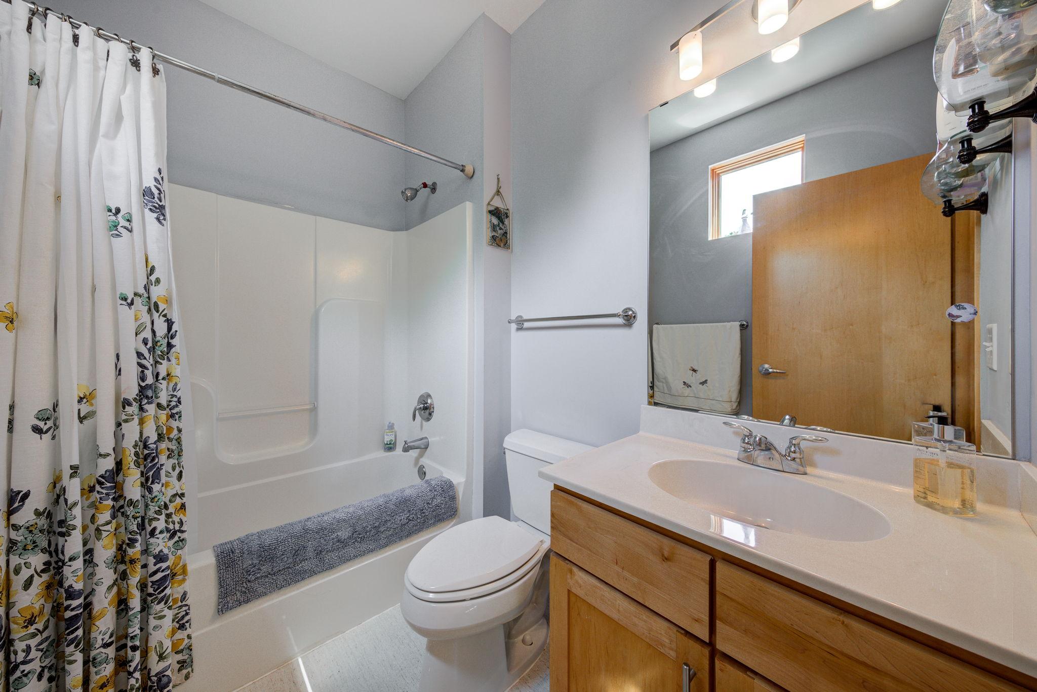 Bedroom 2 Bathroom