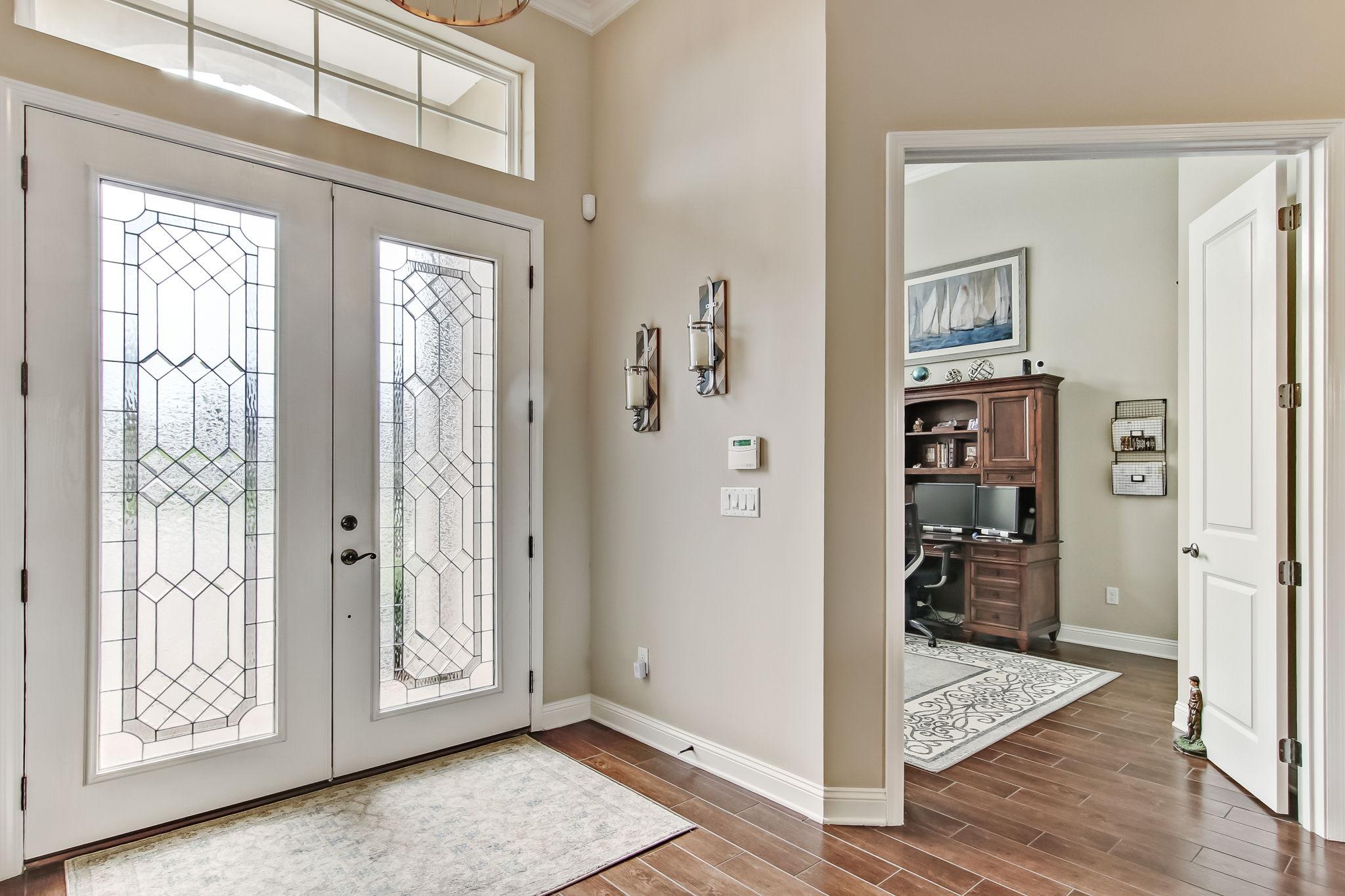 Foyer/Office or Bedroom #4