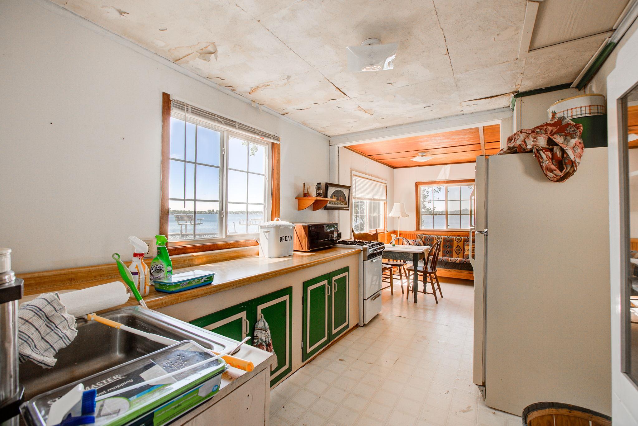 Cabin 1 Kitchen 2