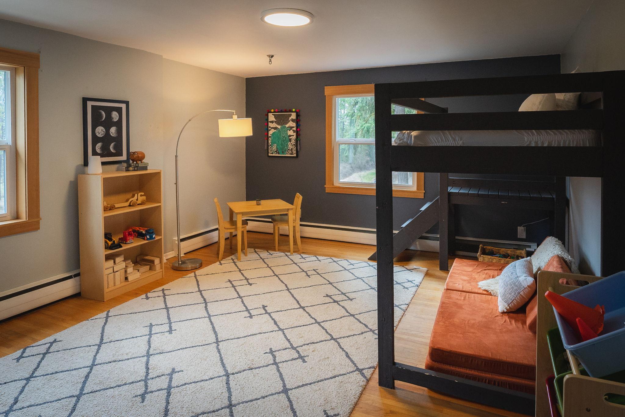 Large bedroom #3
