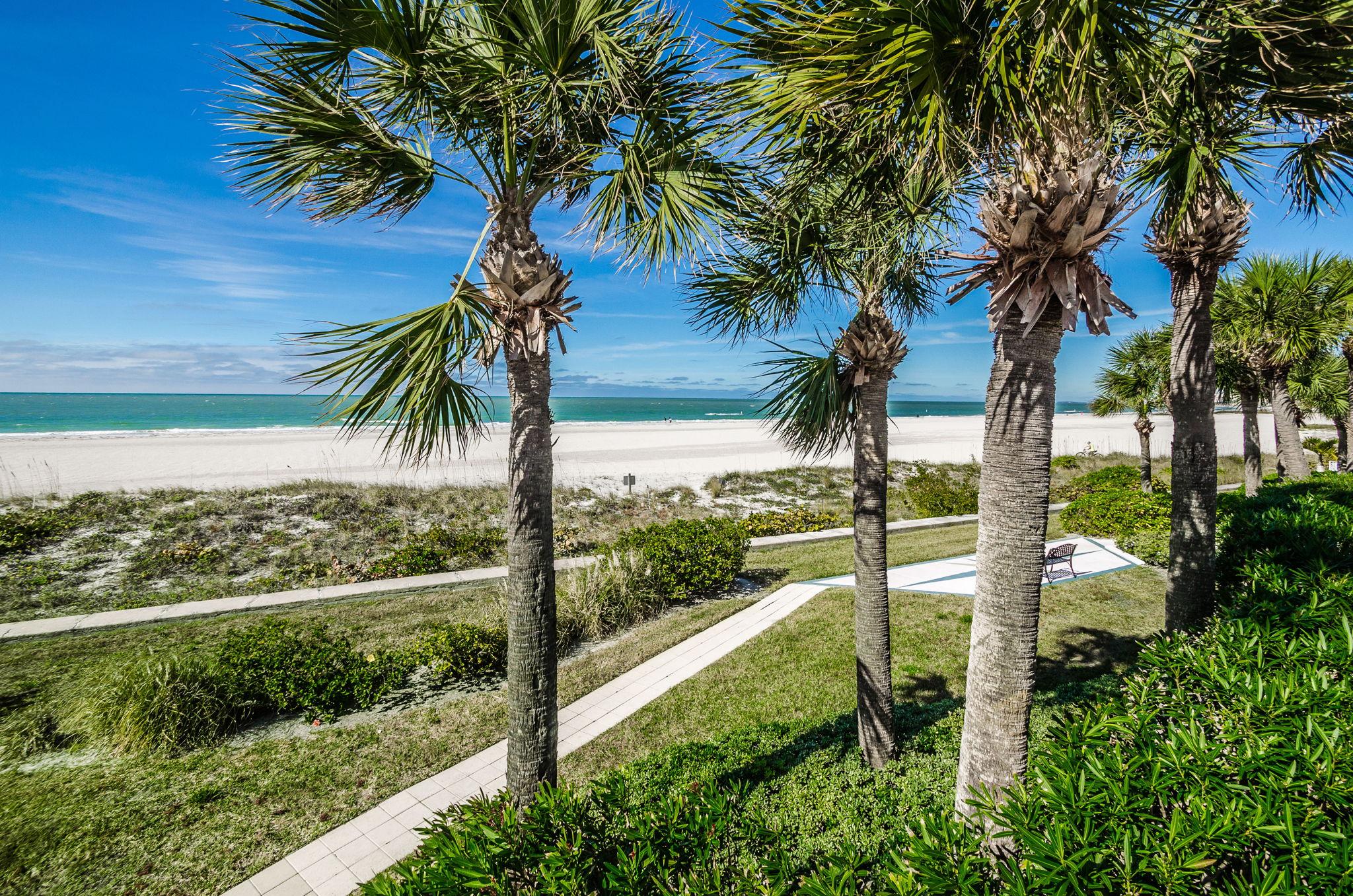 18-Sand  Key Club Beach View