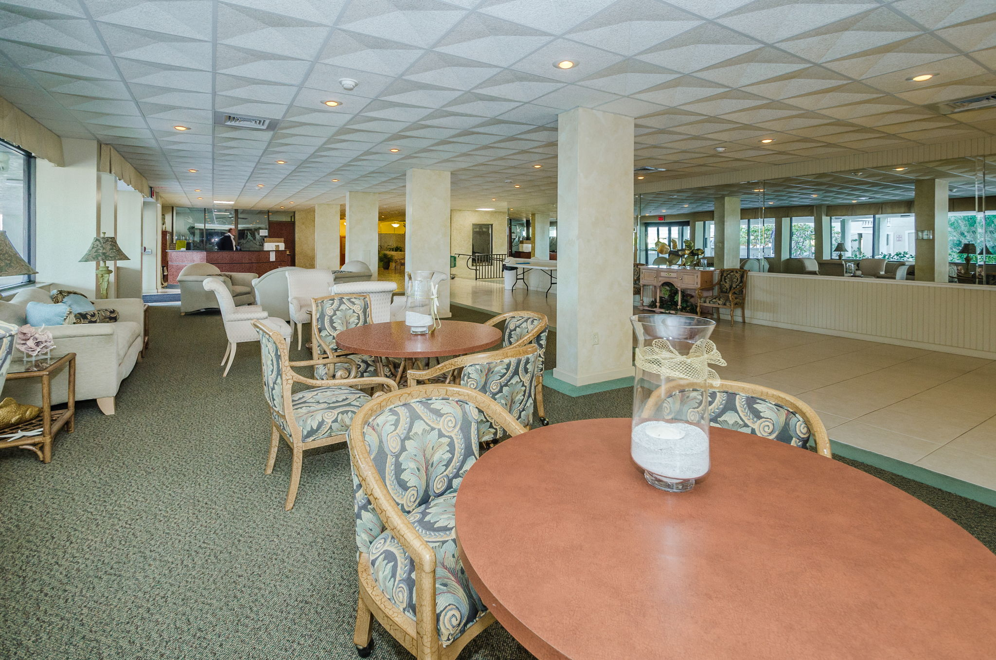 4-Sand  Key Club Lobby