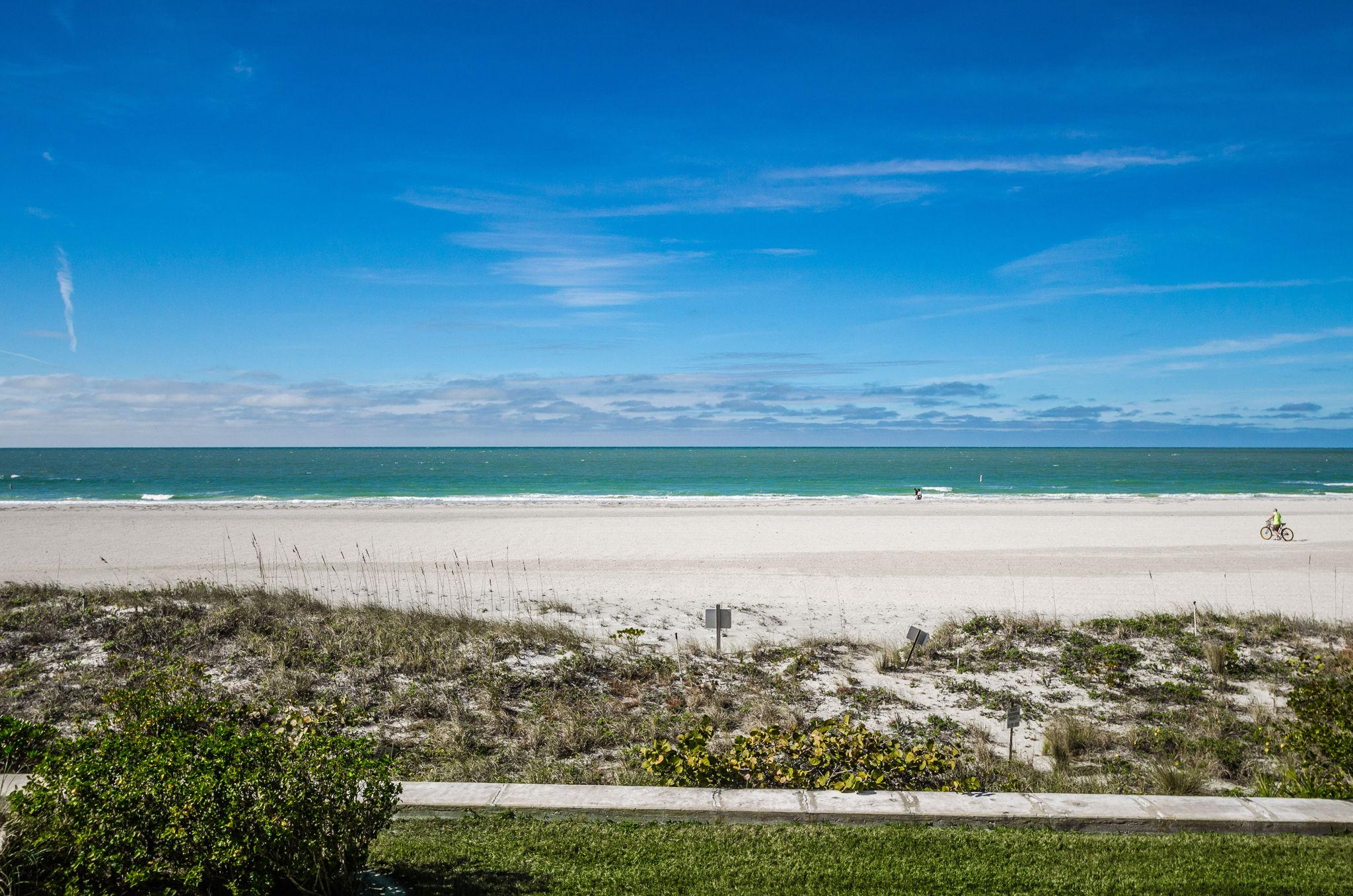 19-Sand  Key Club Beach View