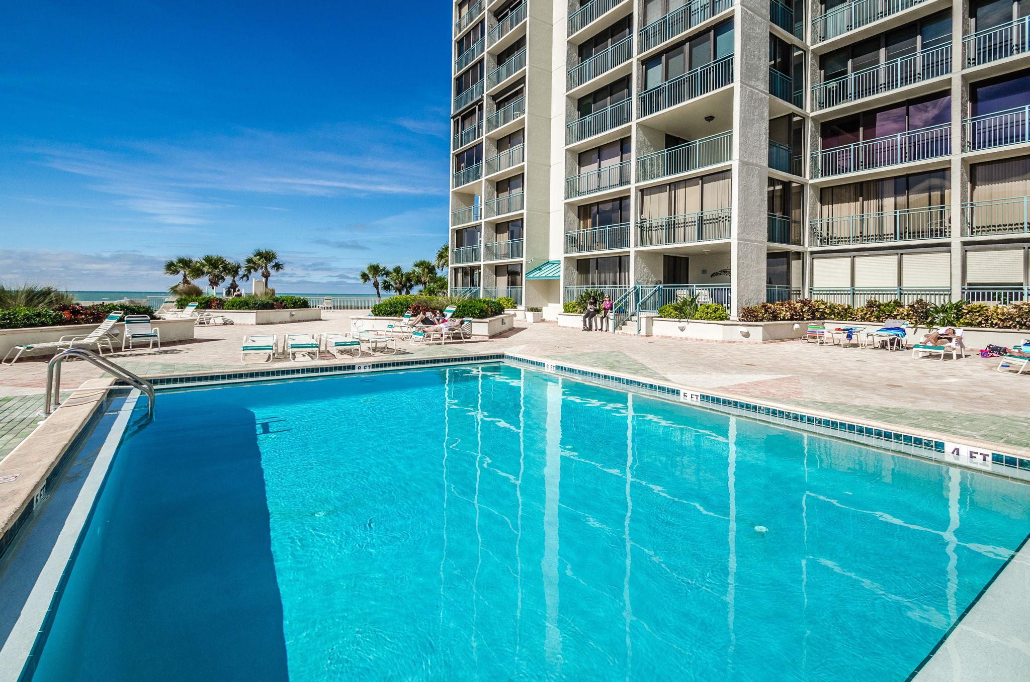 12-Sand  Key Club Pool