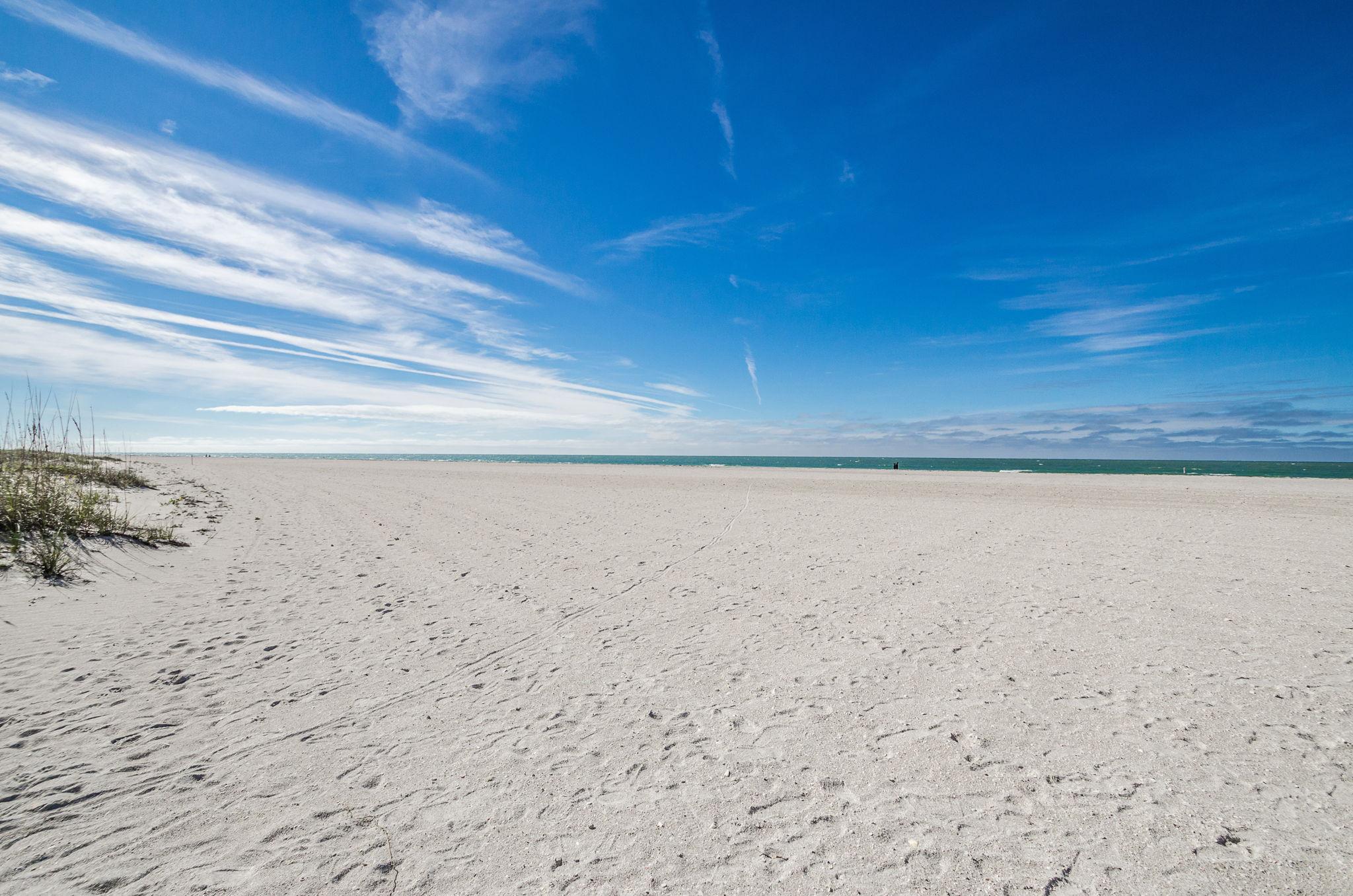 20-Sand  Key Club Beach