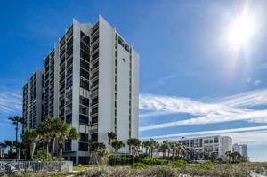 30-Sand  Key Club Beach Rear Exterior