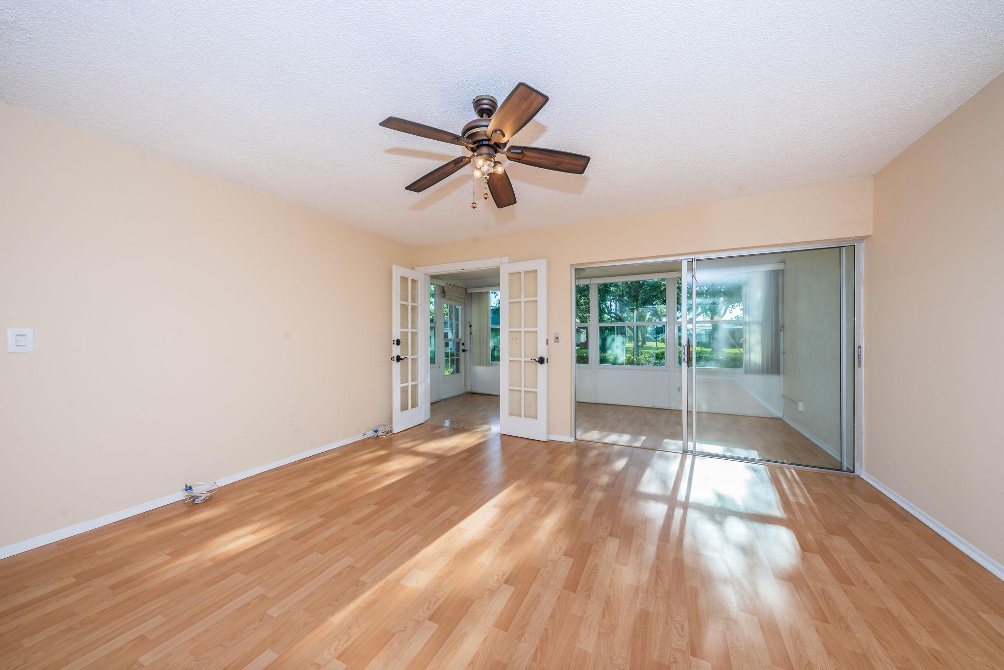 Living Room2-3