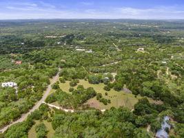 351 Windmill Oaks Dr, Wimberley, TX 78676, USA Photo 42