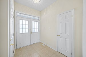 44 Herefordshire Cres, Newmarket, ON L3X 3K8, Canada Photo 14