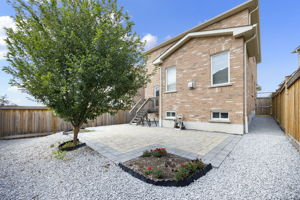 44 Herefordshire Cres, Newmarket, ON L3X 3K8, Canada Photo 31