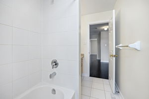 44 Herefordshire Cres, Newmarket, ON L3X 3K8, Canada Photo 18