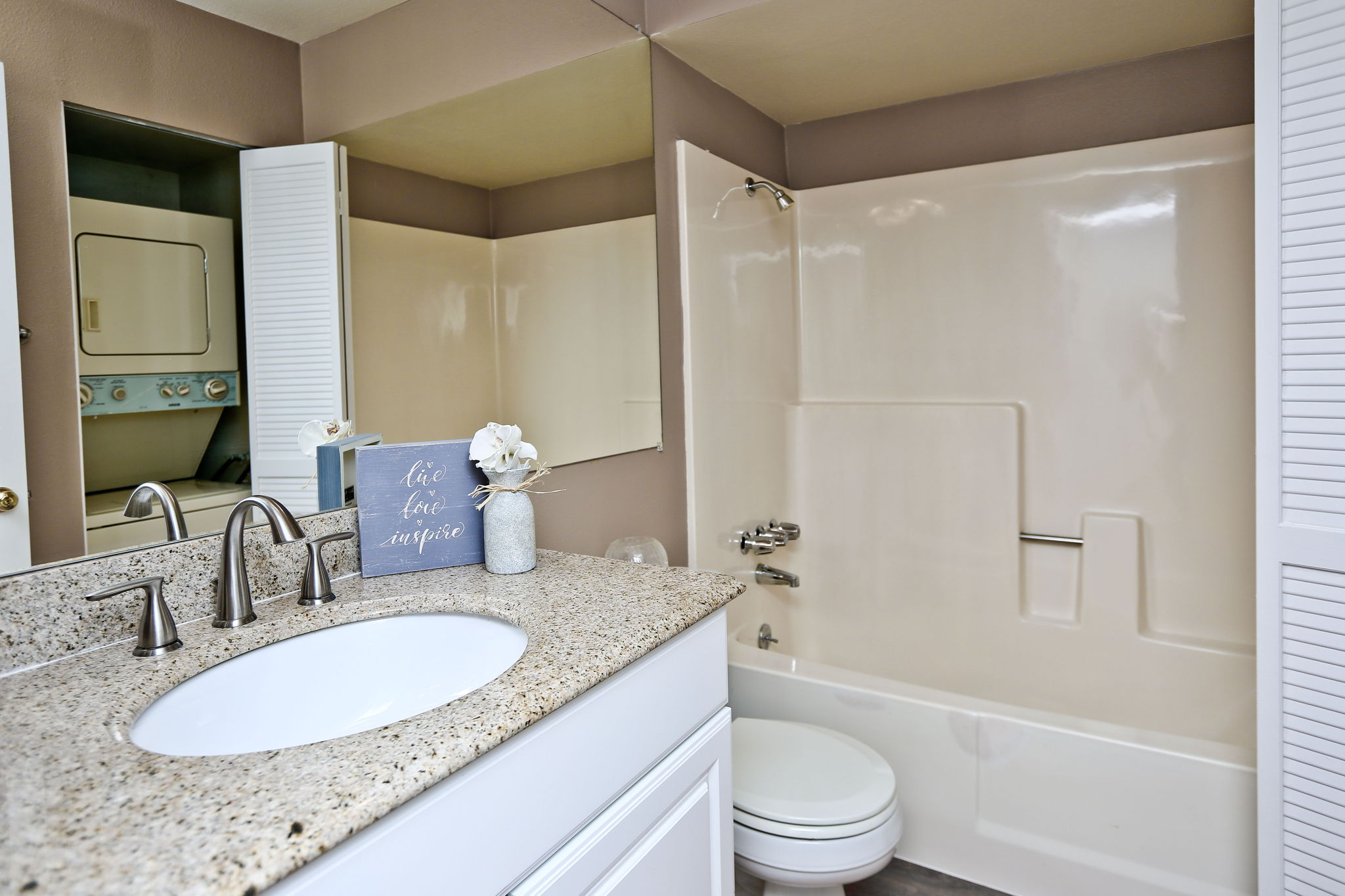 Bathroom with newer vanity, full size tub/shower